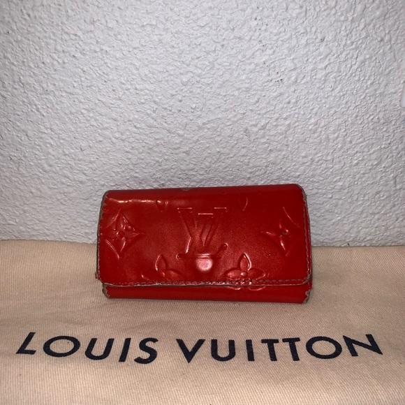 Louis Vuitton Handbags - Authentic Louis Vuitton vernis key card case pouch